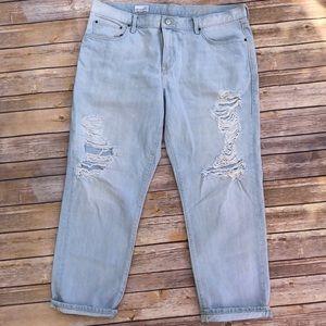 Gap Sexy Boyfriend Distressed light Wash Jeans 32